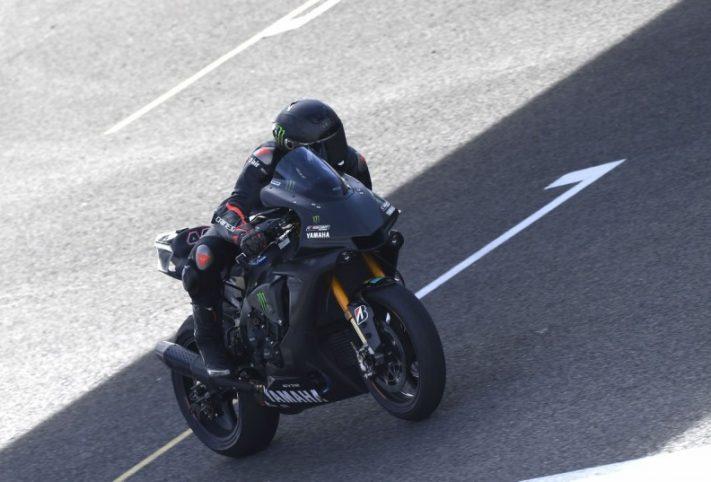 Lewis Hamilton su Yamaha Superbike>