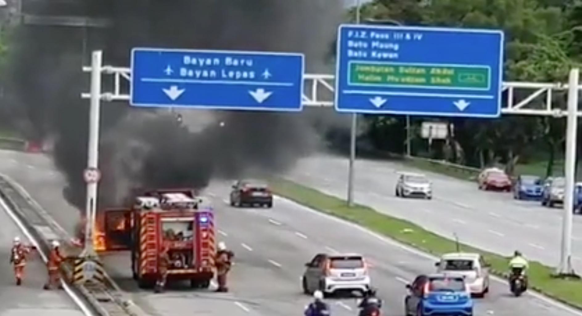 Pessime idee: fermarsi a guardare un incidente [Video] - Quotidiano Motori
