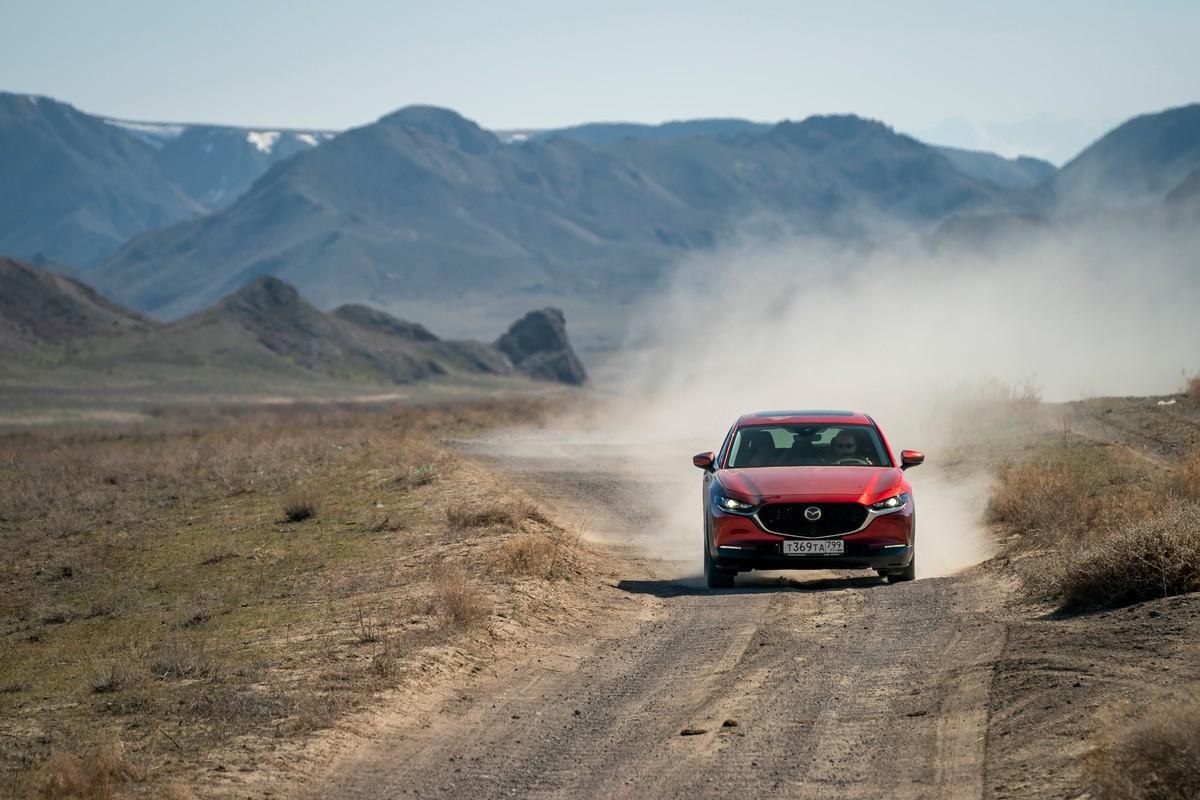 Viaggio Kazakistan on the road a bordo di Mazda CX-30