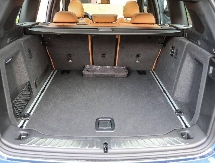 BMW X3 bagagliaio aperto