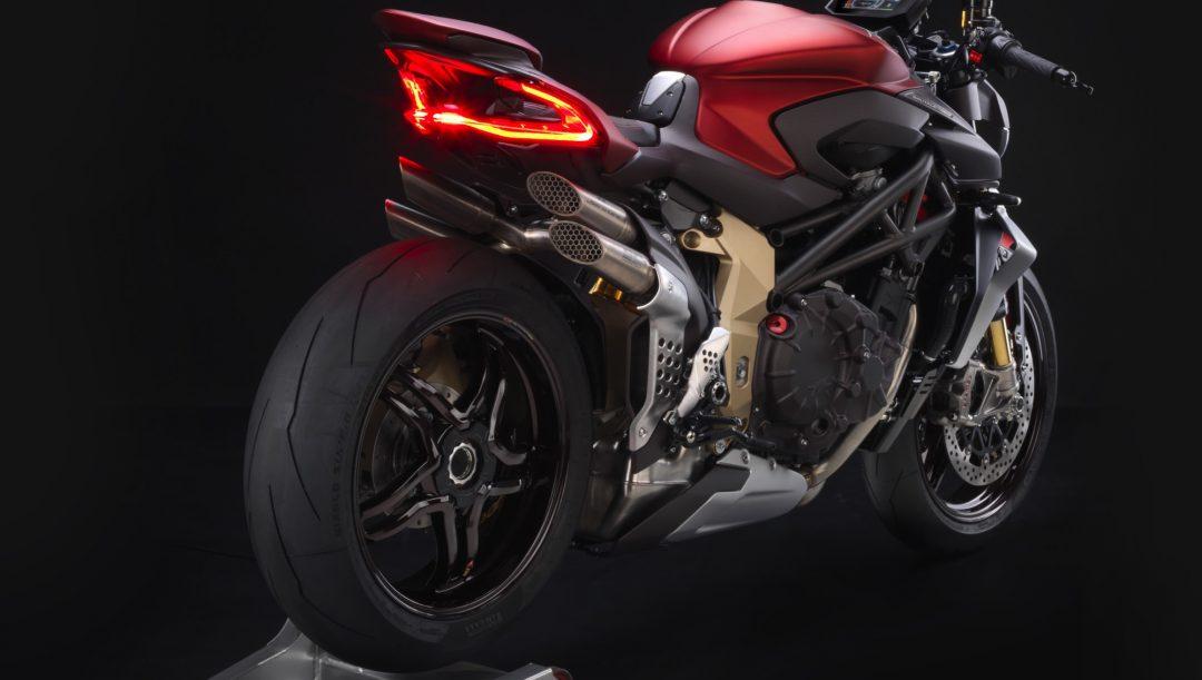 MV Agusta Brutale 1000 Serie Oro, la naked da record
