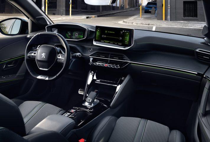 Peugeot 208 2019 plancia interni