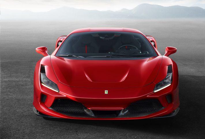 Ferrari F8 Tributo rossa muso