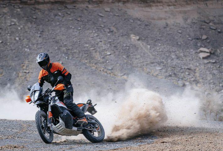 KTM 790 Adventure moto fuoristrada deserto Marocco