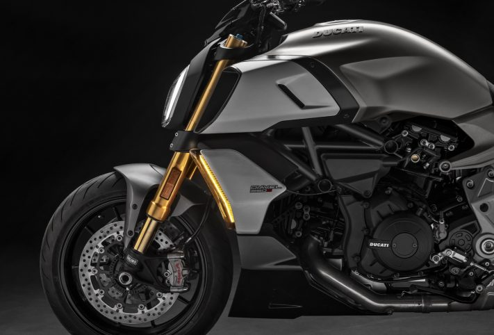 Ducati Diavel 1260 S moto dettaglio anteriore