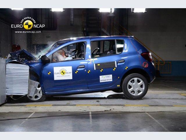 Dacia Sandero - Impatto frontale
