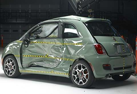 Crash Test Fiat 500 Iihs La Promuove