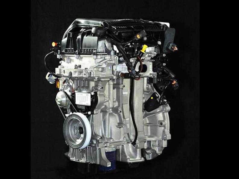 I nuovi motori 3 cilindri Peugeot: analisi tecnica