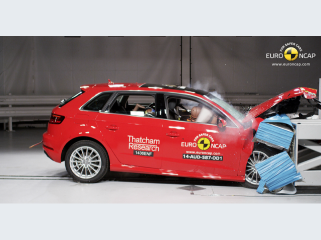 Audi A3 Sportback e-tron - Crash test frontale